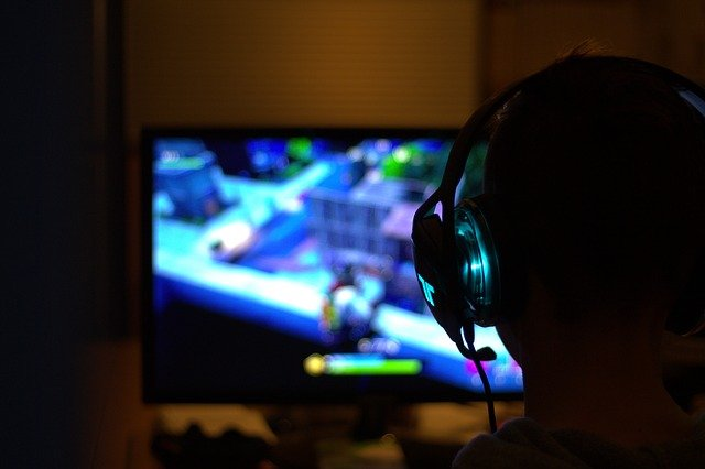 Gift Ideas For Gaming Enthusiasts - g1feb86d83e99921505d0595ed8656136cfc2f6a2d6b531e84c2c96dcb6545adabf95d26dbd02516c2d3d6e842ddfe398 640